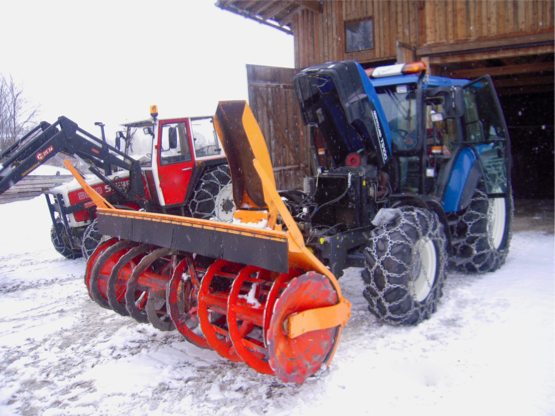 New Holland 100
